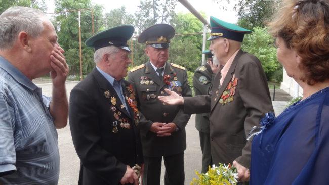 А.Крышко, И. Обрященко, генерал П.Соловьёв и юбиляр И.Поделякин