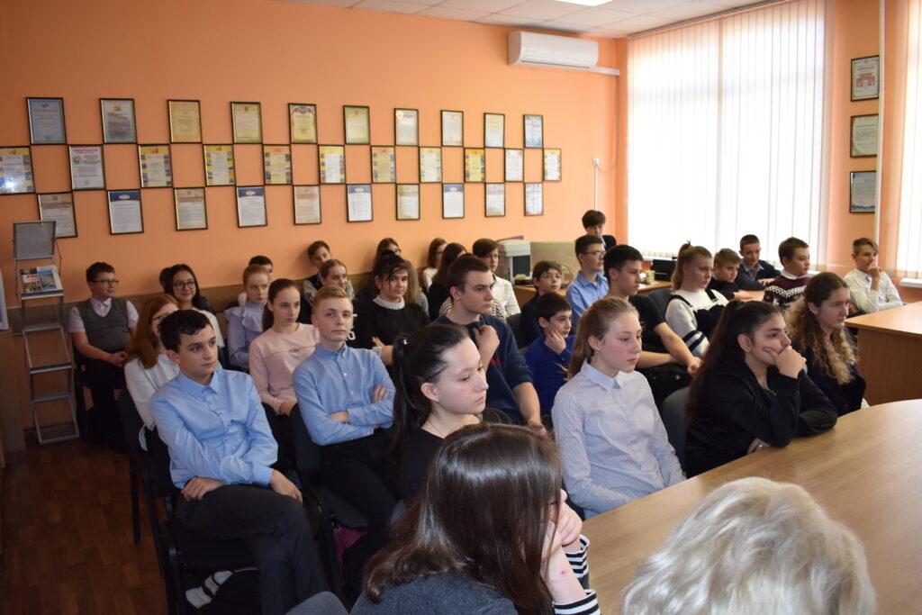 Встреча поисковиков с учащимися гимназии № 30