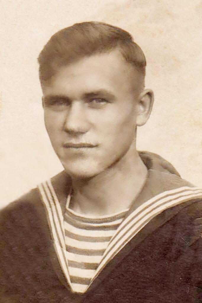 Семенюк А.А 5 июня 1941г. После окончания Мореходного училища