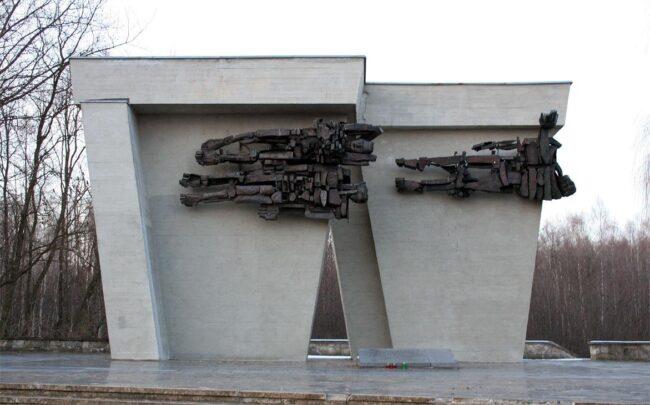 Мемориал на братской могиле в Ламбиновице