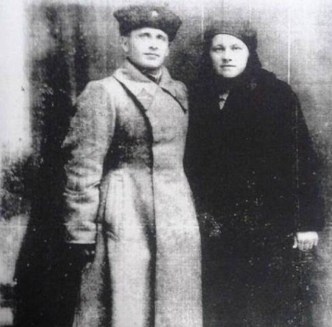 Левченко Георгий Харлампиевич со своей женой