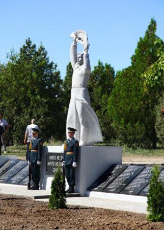Братская могила с. Пуркары