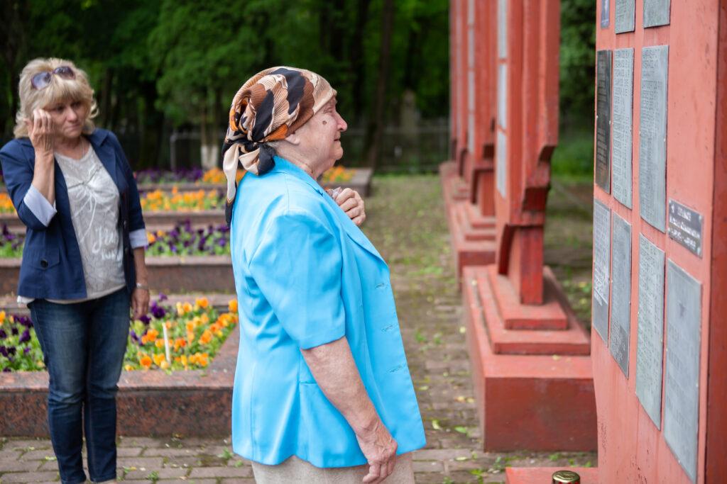 дочь Глазьева Людмила Александровна и его внучка Татьяна Николаевна